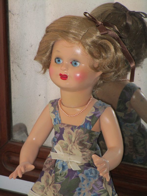 Mari cris spanish doll