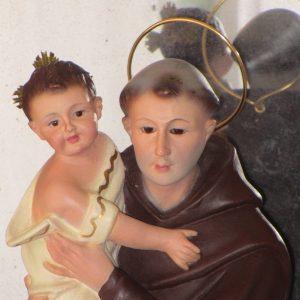 Imagen de santo antonio de padua con el niño jesús