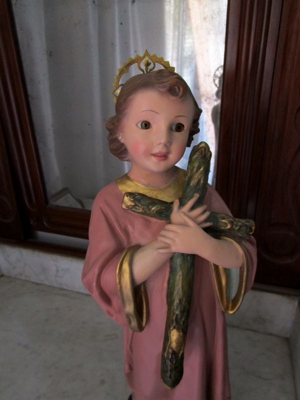 Baby jesus with the cross from olot