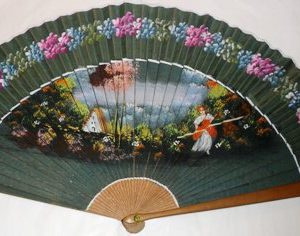 Pericon green hand fan