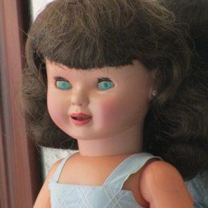 Corisa Famosa Doll