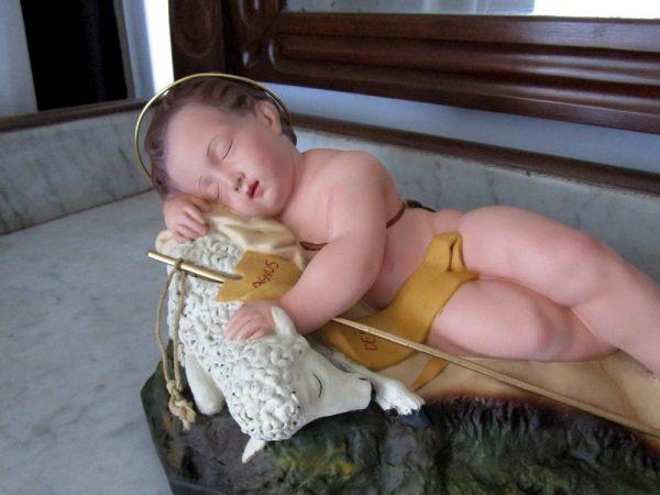 Niño jesús con el cordero agnus dei