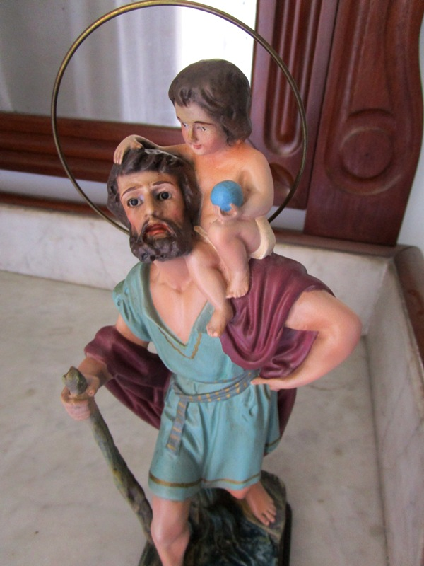 Saint christopher with the child jesus on his shoulders