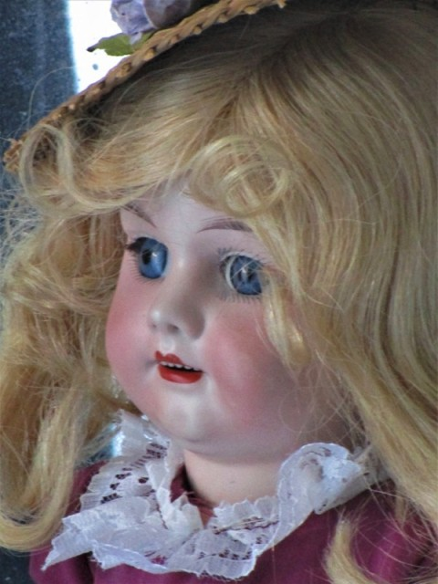 Antique Doll Bisque marked Nº 1