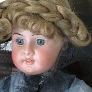 muñeca biscuit aich menzel eduardo juan austria