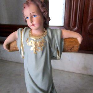 Niño Jesús pequeño en Cruz